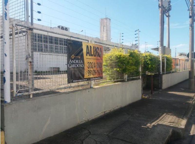 GALPÃO no bairro ESTREITO em FLORIANÓPOLIS