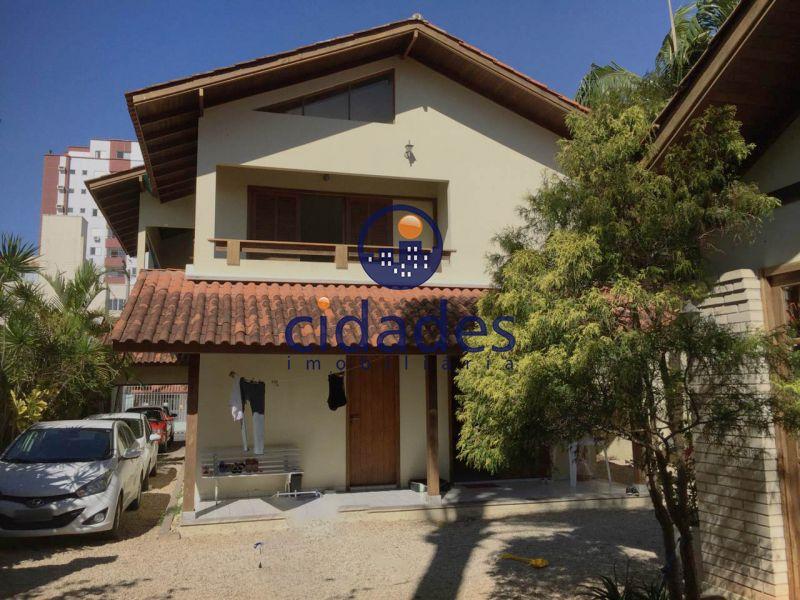 Casa  5 Quartos e  2 Suítes no bairro BALNEARIO em FLORIANOPOLIS