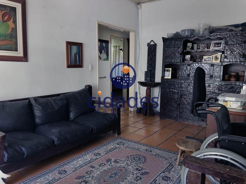 Casa  4 Quartos no bairro TRINDADE em FLORIANOPOLIS