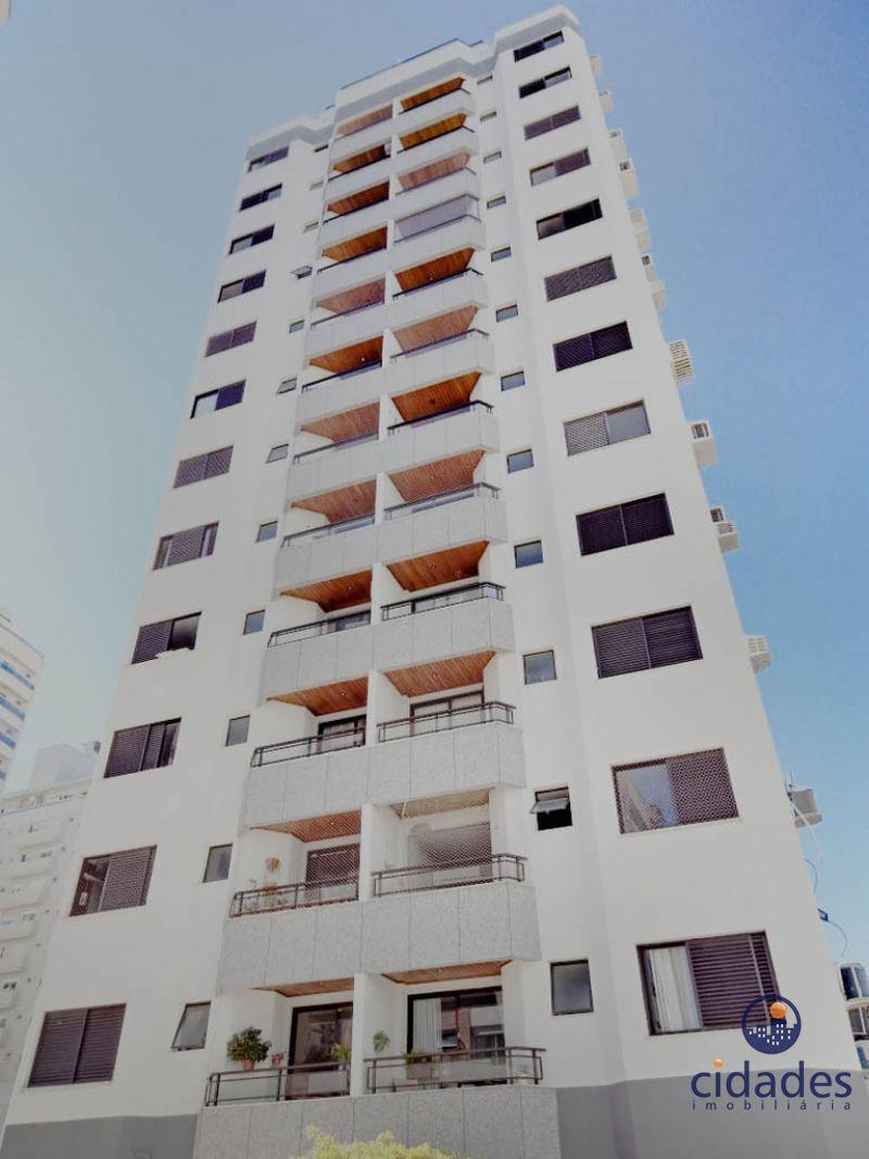 Apartamento 2 Quartos e  2 Suítes no bairro AGRONOMICA em FLORIANOPOLIS