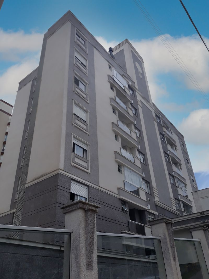 Apartamento 2 Quartos e  1 Suíte no bairro AGRONOMICA em FLORIANOPOLIS