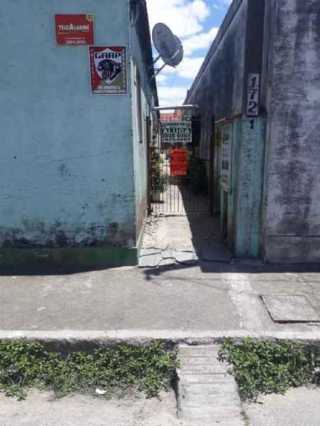 Casa/Fundos 1 Quarto no bairro FRAGATA em PELOTAS