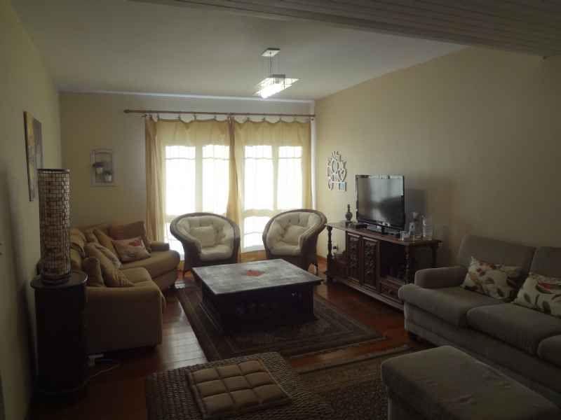 Casa para alugar  com  3 quartos 320 m²  no bairro PASSO D AREIA em PORTO ALEGRE/RS