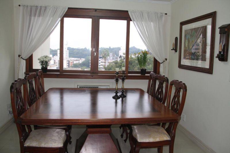 Apto para alugar  com  3 quartos 126 m²  no bairro SÃO JOÃO em PORTO ALEGRE/RS