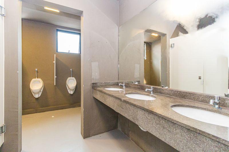 Sala, 1070 m²  no bairro PETROPOLIS em PORTO ALEGRE/RS - Loja Imobiliária o seu portal de imóveis para alugar, aluguel e locação