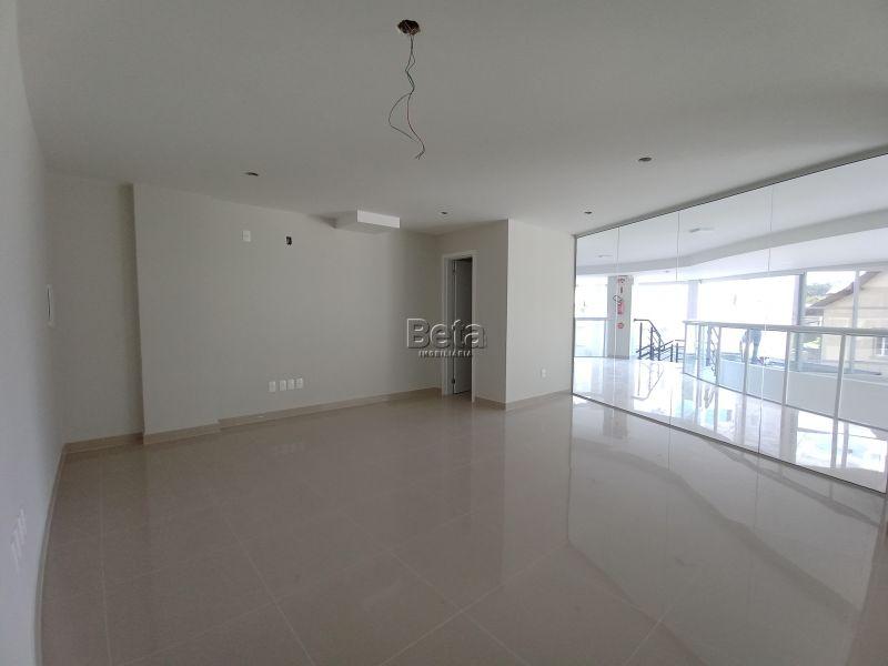 Sala para alugar  com  30.47 m²  no bairro CENTRO em JARAGUA DO SUL/SC