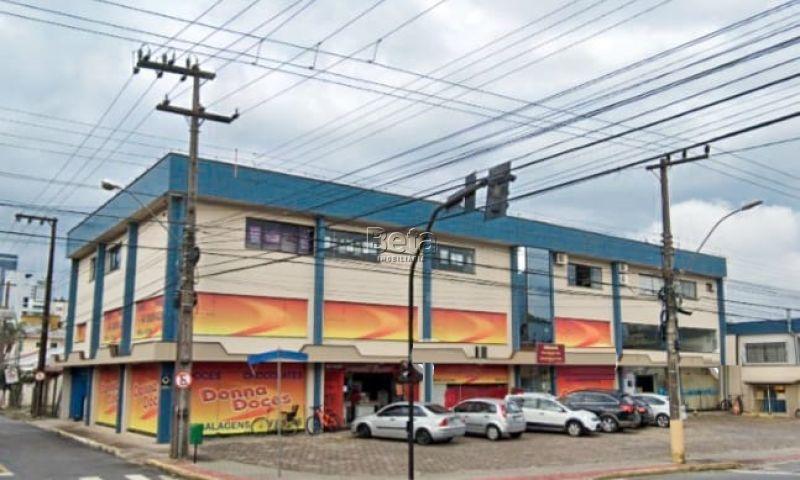 Sala, 100 m²  no bairro CENTRO em JARAGUA DO SUL/SC - Loja Imobiliária o seu portal de imóveis para alugar, aluguel e locação