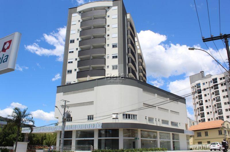 Sala para alugar  com  46.93 m²  no bairro CENTRO em JARAGUA DO SUL/SC