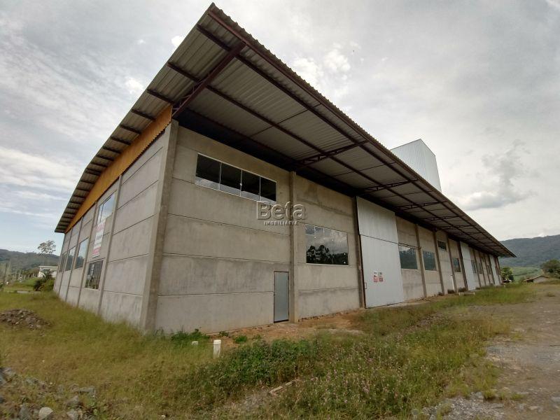 Galpão para alugar  com  900 m²  no bairro SCHROEDER I em SCHROEDER/SC