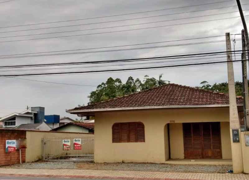 Casa 3 quartos no bairro VILA NOVA em JARAGUA DO SUL/SC - Loja Imobiliária o seu portal de imóveis para alugar, aluguel e locação