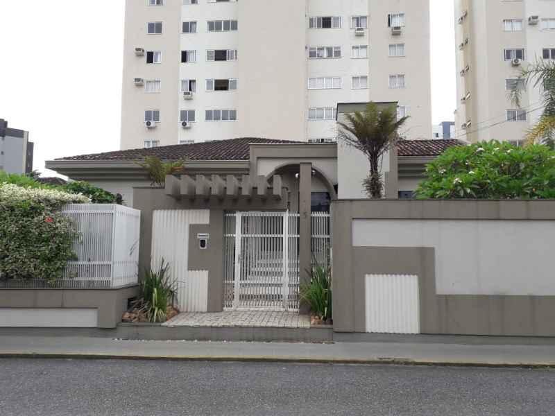 Casa 3 quartos, 425 m²  no bairro CENTRO em JARAGUA DO SUL/SC - Loja Imobiliária o seu portal de imóveis para alugar, aluguel e locação