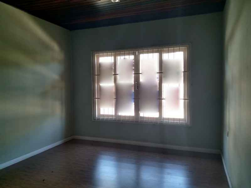 Casa para alugar  com  4 quartos 105 m²  no bairro VILA NOVA em JARAGUA DO SUL/SC