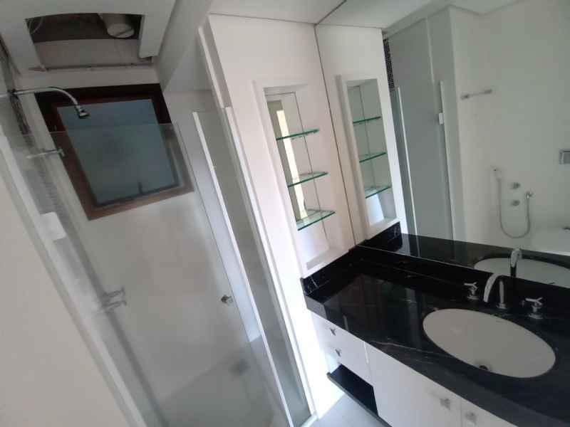 Apto para alugar  com  1 quarto 307 m²  no bairro CENTRO em JARAGUA DO SUL/SC