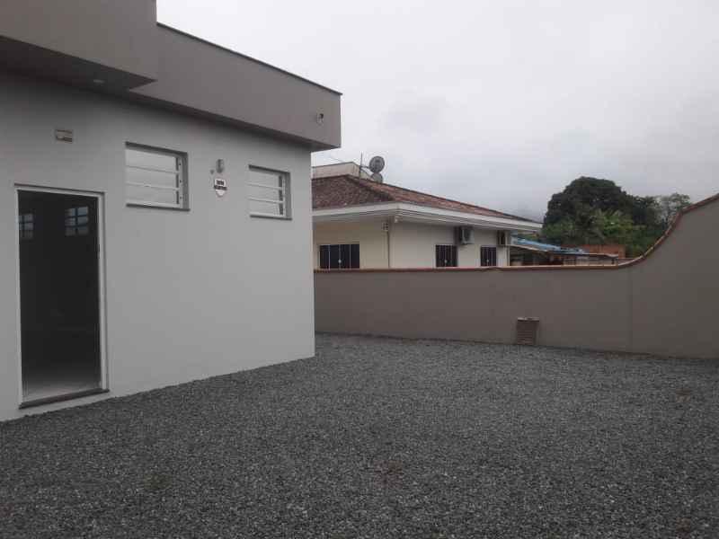 Sala para alugar  com  117 m²  no bairro NEREU RAMOS em JARAGUA DO SUL/SC