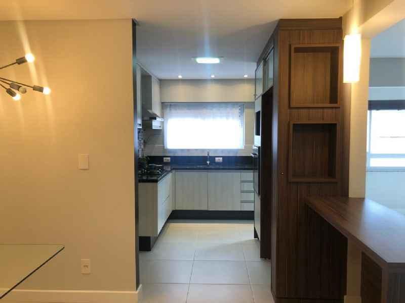 Apto para alugar  com  3 quartos 122 m²  no bairro CENTRO em JARAGUA DO SUL/SC
