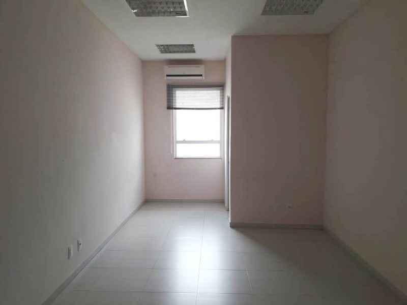 Sala para alugar  com  552 m²  no bairro CENTRO em JARAGUA DO SUL/SC