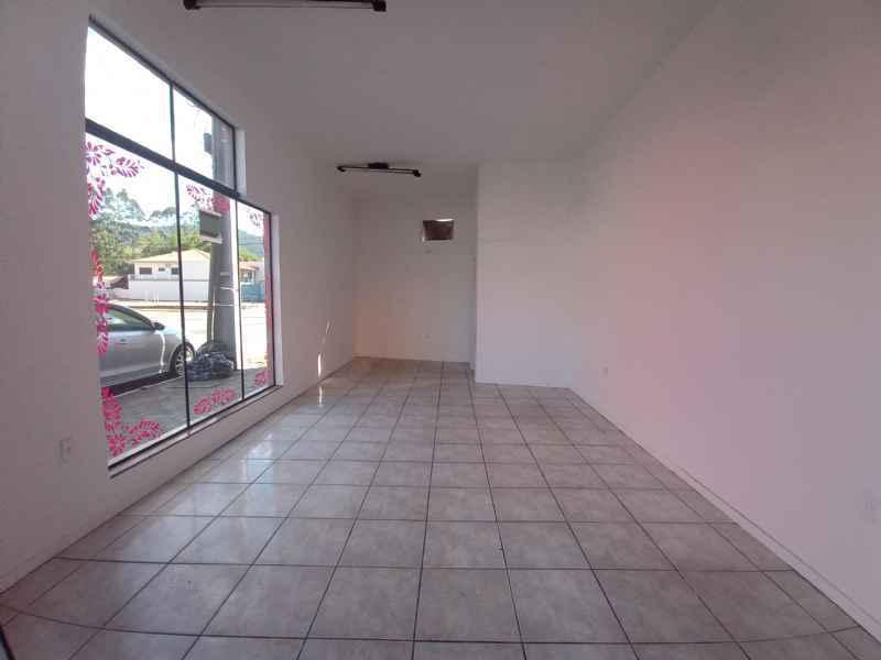 Sala para alugar  com  32 m²  no bairro CENTRO em JARAGUA DO SUL/SC