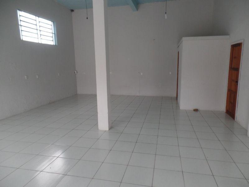 Sala Térrea para alugar  com  70 m²  no bairro PRIMEIRO DE MAIO em FARROUPILHA/RS