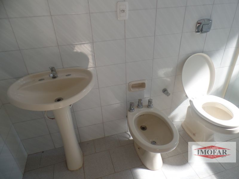 Apto para alugar  com  3 quartos 109.6 m²  no bairro CENTRO em FARROUPILHA/RS