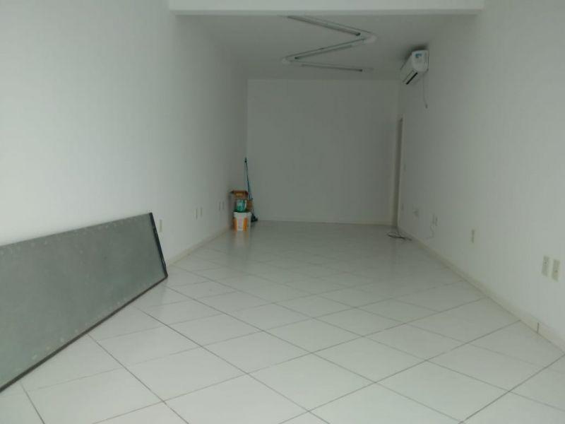 Sala Comercial no bairro Centro em GUARAMIRIM