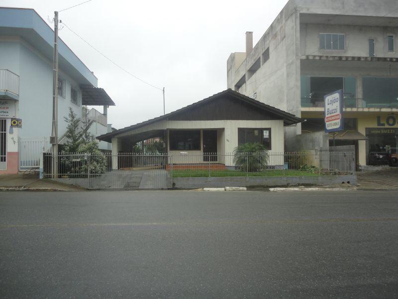CASA   no bairro NOVA ESPERANÇA em GUARAMIRIM