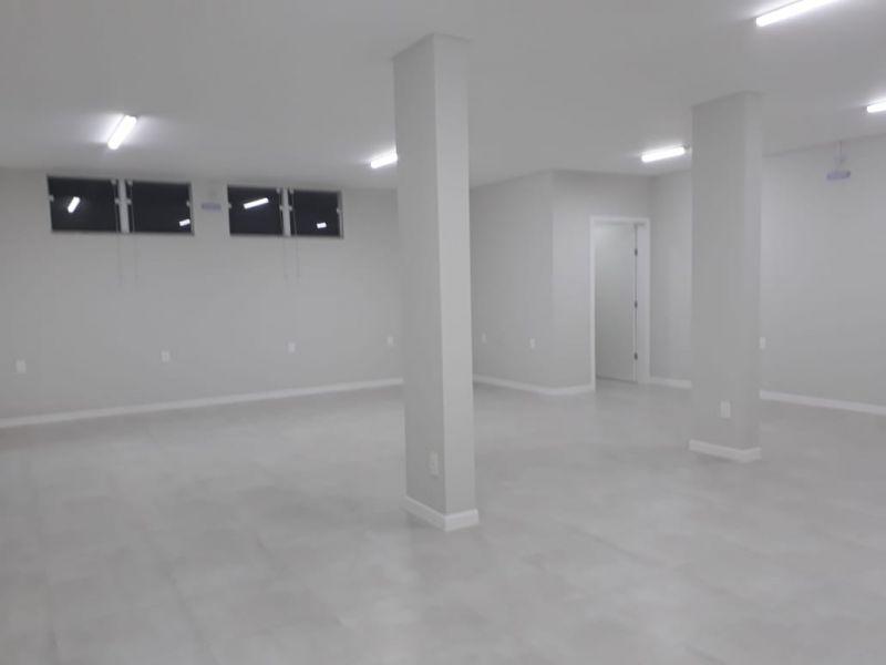 Sala Comercial no bairro Nova Esperança em GUARAMIRIM