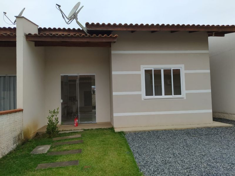 Casa 3 quartos  no bairro Escolinha  em GUARAMIRIM