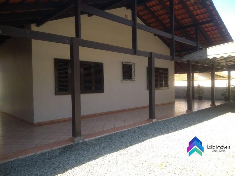 Casa 3 quartos  no bairro Centro em GUARAMIRIM