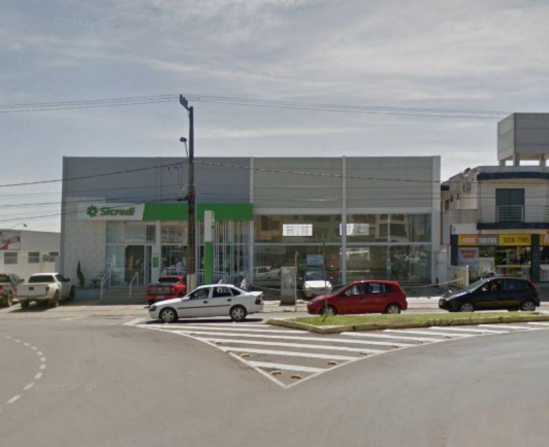 Barracão para alugar  com  286 m²  no bairro CORAL em LAGES/SC