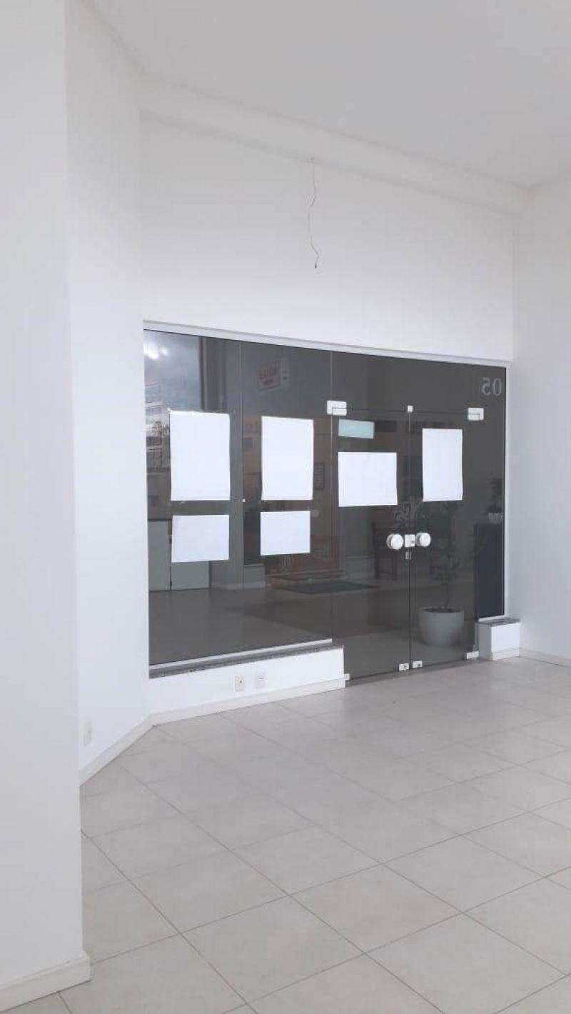 Sala para alugar  com  49 m²  no bairro CENTRO em LAGES/SC