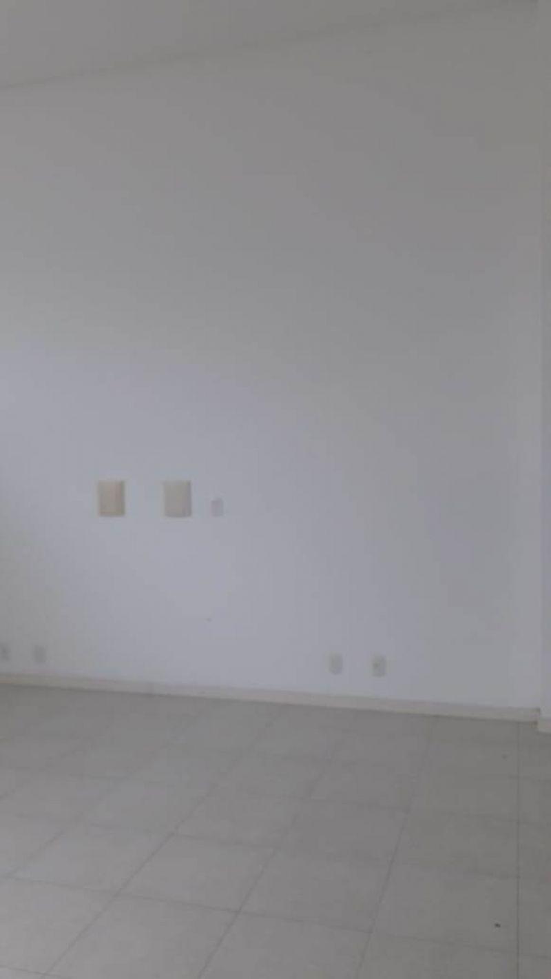 Sala para alugar  com  51 m²  no bairro CENTRO em LAGES/SC