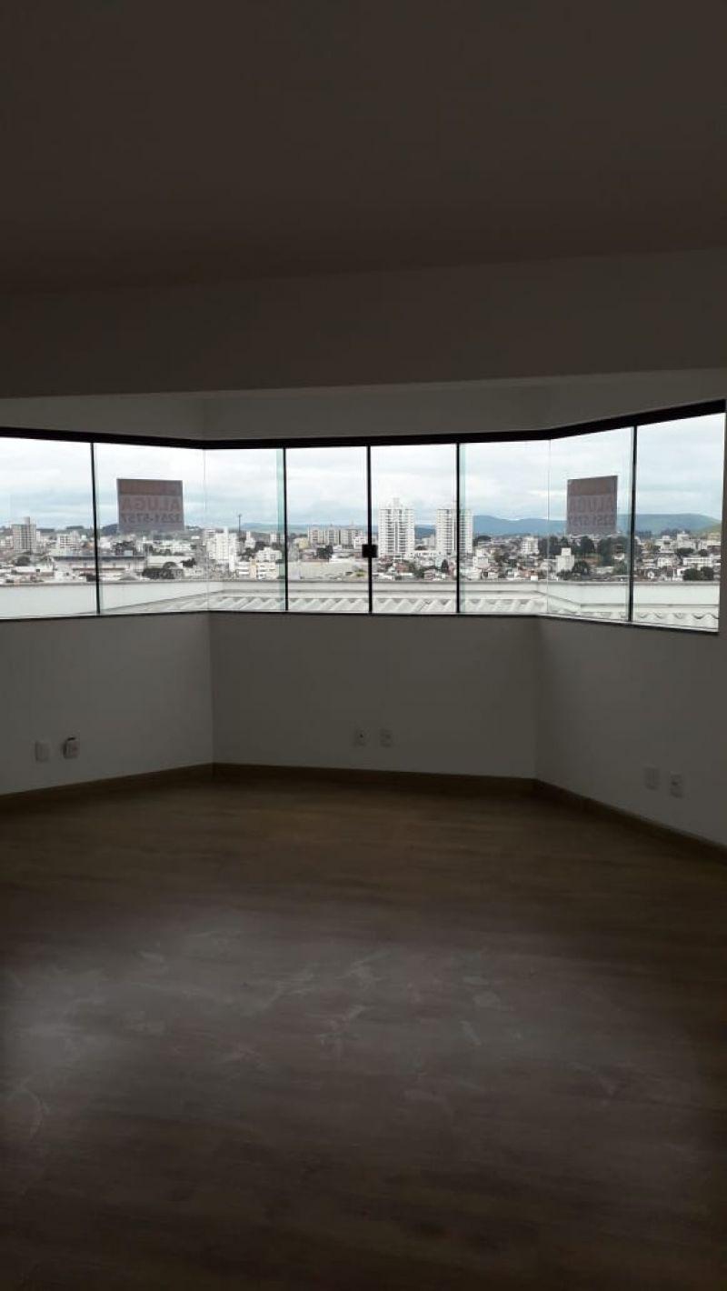 Sala para alugar  com  76 m²  no bairro CENTRO em LAGES/SC