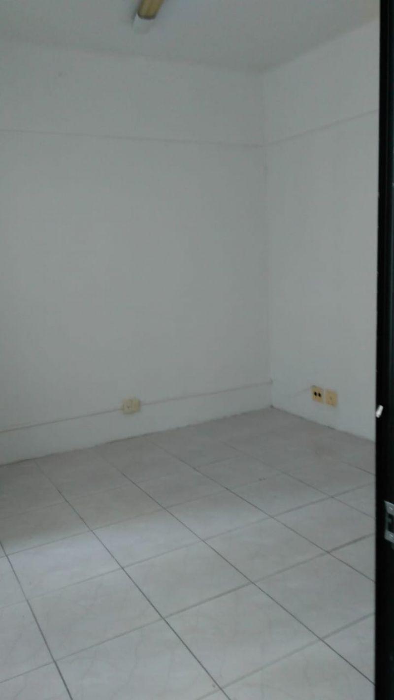 Sala no bairro PASSO D AREIA em PORTO ALEGRE