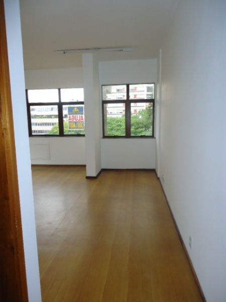 Sala, 50 m²  no bairro INDEPENDENCIA em PORTO ALEGRE/RS - Loja Imobiliária o seu portal de imóveis de locação