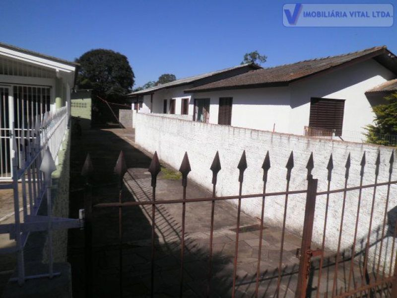 Casa 2D  no bairro FATIMA em CANOAS