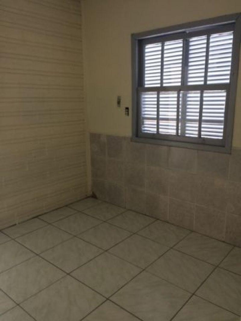Casa/Fundos 2 quartos no bairro RIO BRANCO em CANOAS